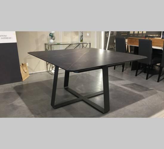 table carré zagas 2